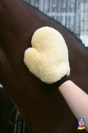 Handschuh aus Echtfell